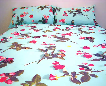 Egyptian cotton bedding, floral duvet, girls duvet cover,  floral sheets, cotton pillowcase, photo realistic floral print of roses, bed of roses design on turquoise blue