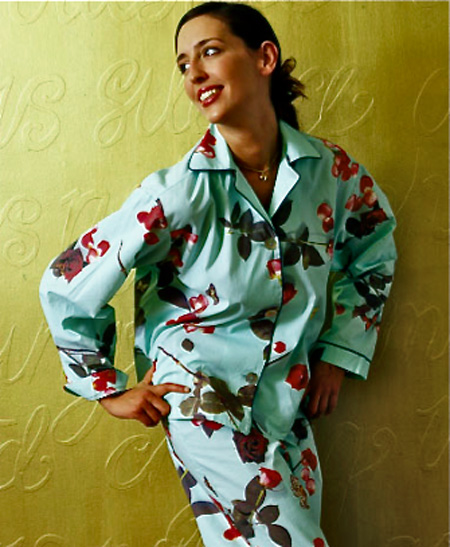 ladies nightwear, ladies cotton pyjamas, ladies pjs, rose pyjamas, photo realistic floral print of roses, bed of roses design on turquoise blue